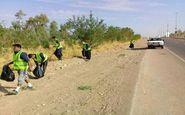 پاکسازی مسیر زوار اربعین از زباله ها در قصرشیرین