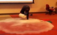 آزمایش جالب ریختن هیدروژن مایع روی آب جوش + فیلم