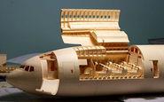 ساخت هواپیما از جنس کاغذ و مقوا ! +فیلم