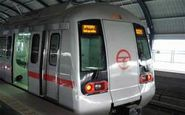 ضربوشتم راهبر مترو توسط مسافر زن +فیلم
