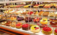 الکل و شربت معده در کیکهای یک شیرینی فروشی معروف!