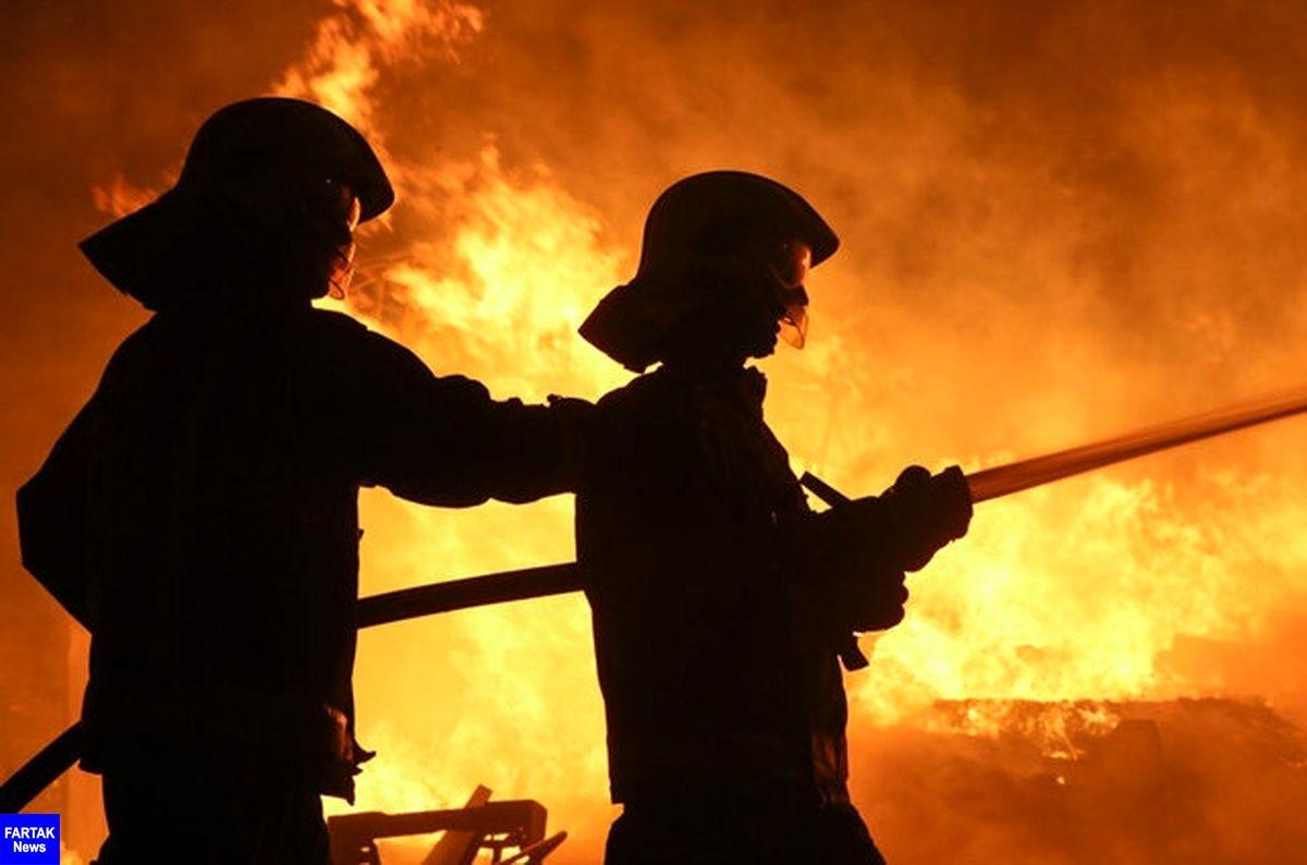 مهار آتش سوزی بارانداز کالا در مشهد