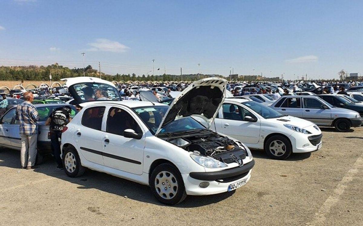 مسئولان بهفکر راهی برای کنترل قیمت خودرو باشند