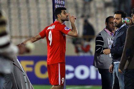 سونامی توییتری علیه آقای گل پرسپولیس /آقای طارمی اگر حرفی هست بگو!