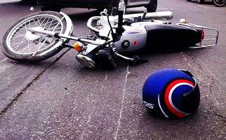 حمله گاو کونگفو کار به موتورسوار! + فیلم