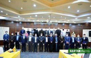 اهدا احکام  اعضای شوراها، مدیران کل و معاونان مرکز گسترش سازمان مقاومتی استان کرمانشاه