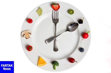 چه ساعاتی غذا بخوریم تا زودتر وزن کم کنیم؟