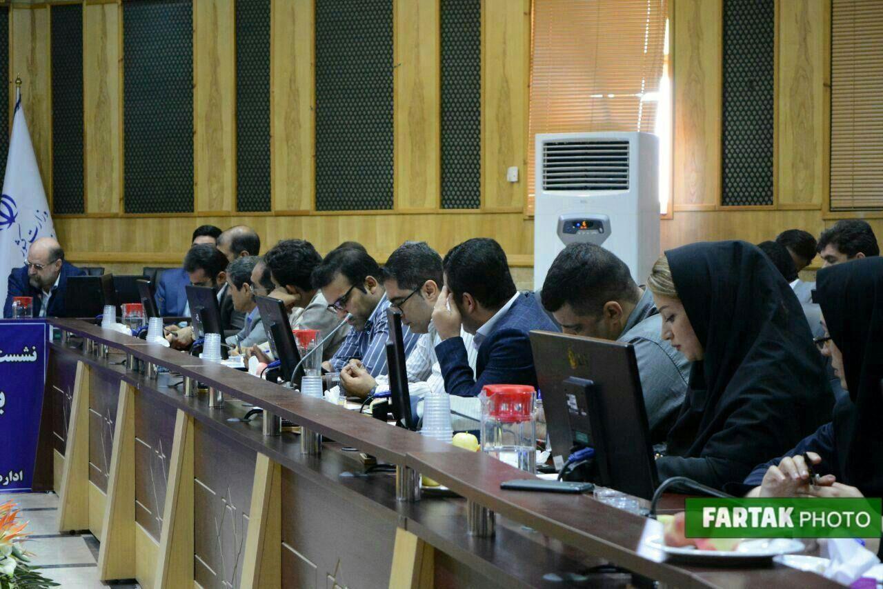 نشست خبری استاندار کرمانشاه با اصحاب رسانه به مناسبت هفته دولت به روایت تصویر