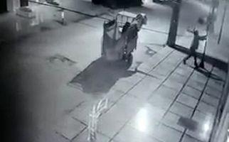 سرقت تیر چراغ برق در اهواز! + فیلم