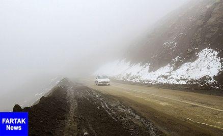 بارش برف و مهگرفتگی در محورهای ۴ استان کشور
