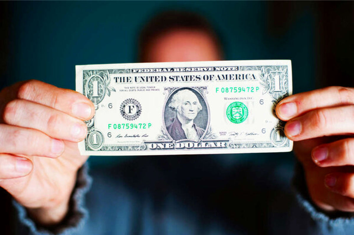 قیمت دلار بالا رفت