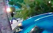 واکنش قاتل پس از مشاهده مدرک اثبات جرمش در دوربین همسایه! + فیلم