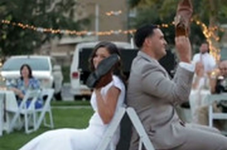 بازی جالبی که برای عروس و داماد ترتیب دادند