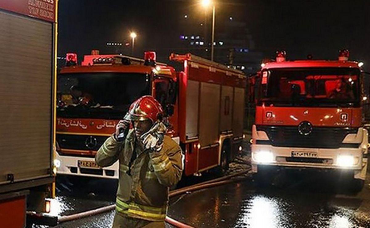 پاساژ ایران زمین  در آتش سوخت