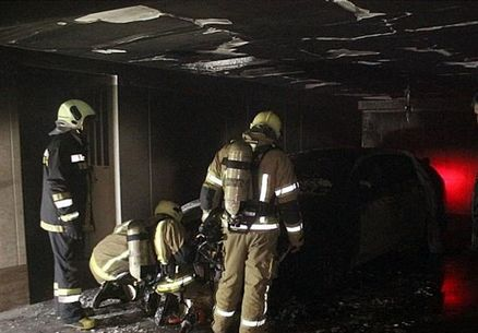 """به آتش کشید ه شدن خانه ۵ طبقه توسط""""خودروی گرانقیمت"""" + تصاویر"""