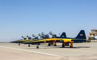 پرواز جنگنده کوثر بر فراز دریاچه ارومیه + فیلم