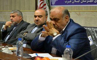 حضور وزیر ورزش و جوانان در ستاد بازسازی مناطق زلزله زده کرمانشاه
