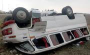 تصادف زنجیره ای در گلستان منجر به واژگونی مینی بوس شد
