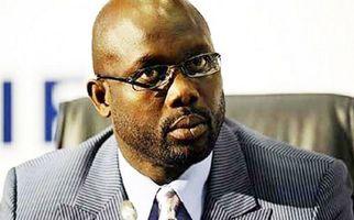 حضور ۲ مار در اتاق رئیس جمهور لیبریا، او را خانه نشین کرد +فیلم