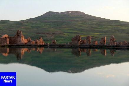 بزرگترین آتشکده ساسانی در وسط دریاچهای عجیب