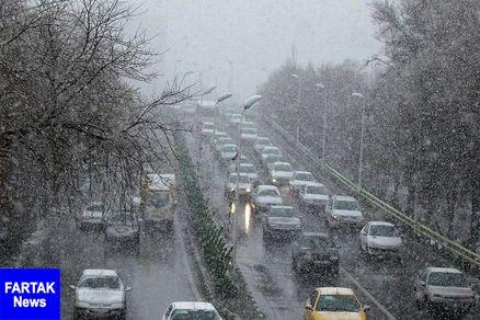 تردد روان در محورهای شمالی/ بارش برف و باران در جاده های ۴ استان