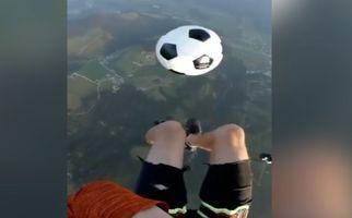 روپاییزدن معلق در ارتفاع ۲۰۰۰ متری!+فیلم
