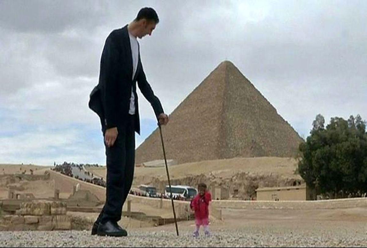 ملاقات بلندترین مرد جهان با کوتاهترین زن جهان در مصر+عکس