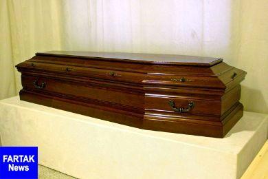 ماشین گران قیمت با جسد صاحبش دفن شد!