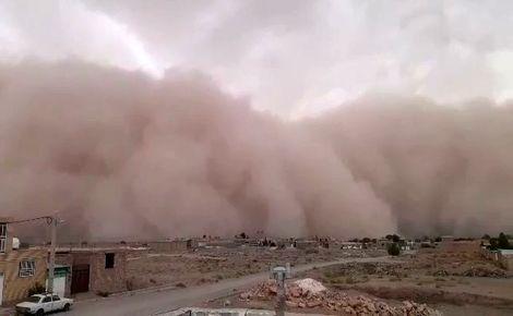 فیلم/ دقایقی قبل طوفان شن در دهشیر یزد
