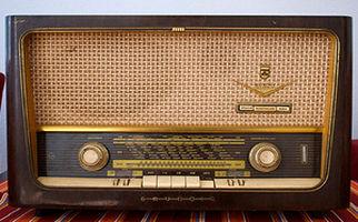 ۷۹ ساله شدن صدایی که عمریست برایمان خاطره ساز بوده
