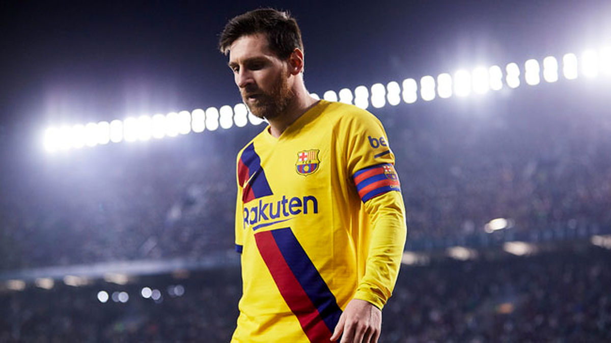 سالروز اولین بازی مسی برای بارسلونا