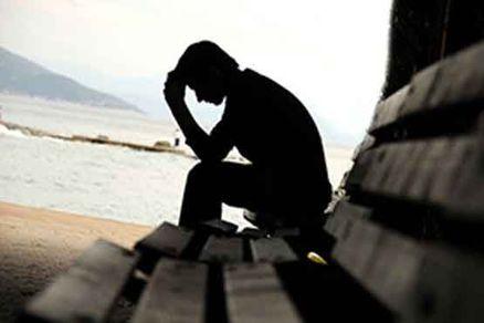 نوجوانان افسردهاند یا دمدمیمزاجاند