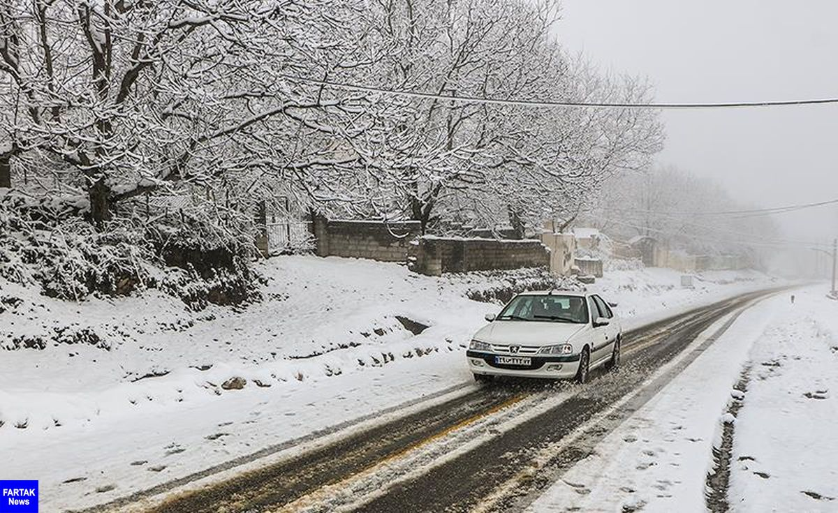 برف و باران در جادههای بیش از ۱۰ استان