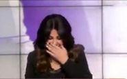خنده های بی پایان مجری العربیه در برنامه زنده