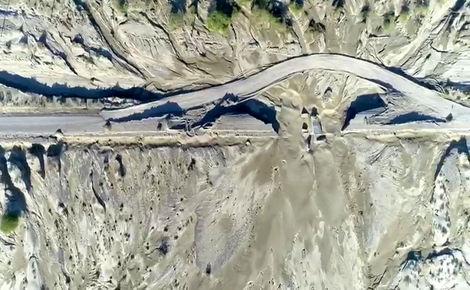 تصویربرداری هوایی از پلهای تخریب شده محور جاسک به چابهار