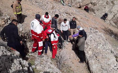 سقوط مرگ 2 زن و مرد شیرازی که به تنهایی در کوه بودند