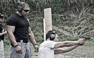 توبیخ مربی تیراندازی برزیلی برای به خطر انداختن جان خودش
