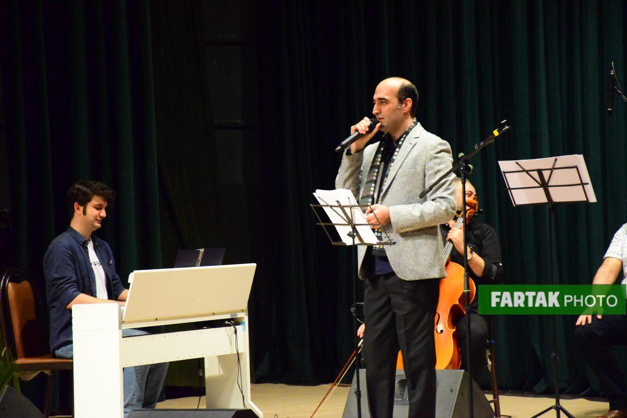 آخرین کنسرت سال در همدان / با اجرای گروه چکاد و با صدای هنرمند مردمی «کاظم مرادی»
