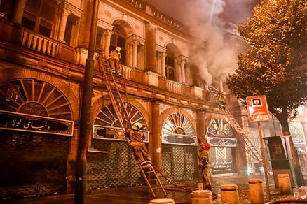 دلایل آتش سوزی در میدان حسن آباد اعلام شد + عکس