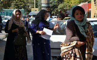تصاویر ناراحت کننده از مصدومان زلزله زده در بیمارستان طالقانی کرمانشاه