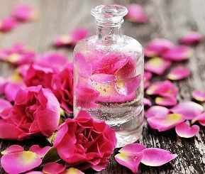 طرز استفاده از گلاب برای داشتن پوستی زیبا