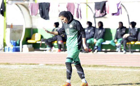 پوشیدن پیراهن تیم ملی توسط بانوان فوتبالیست اردبیلی با کم ترین امکانات
