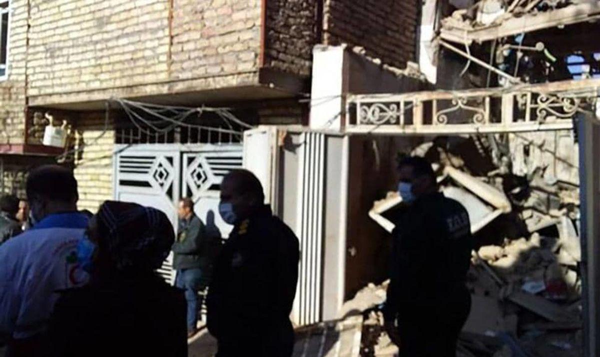 انفجار بزرگ در کاشان / یک پدر و پسر زنده به گور شدند