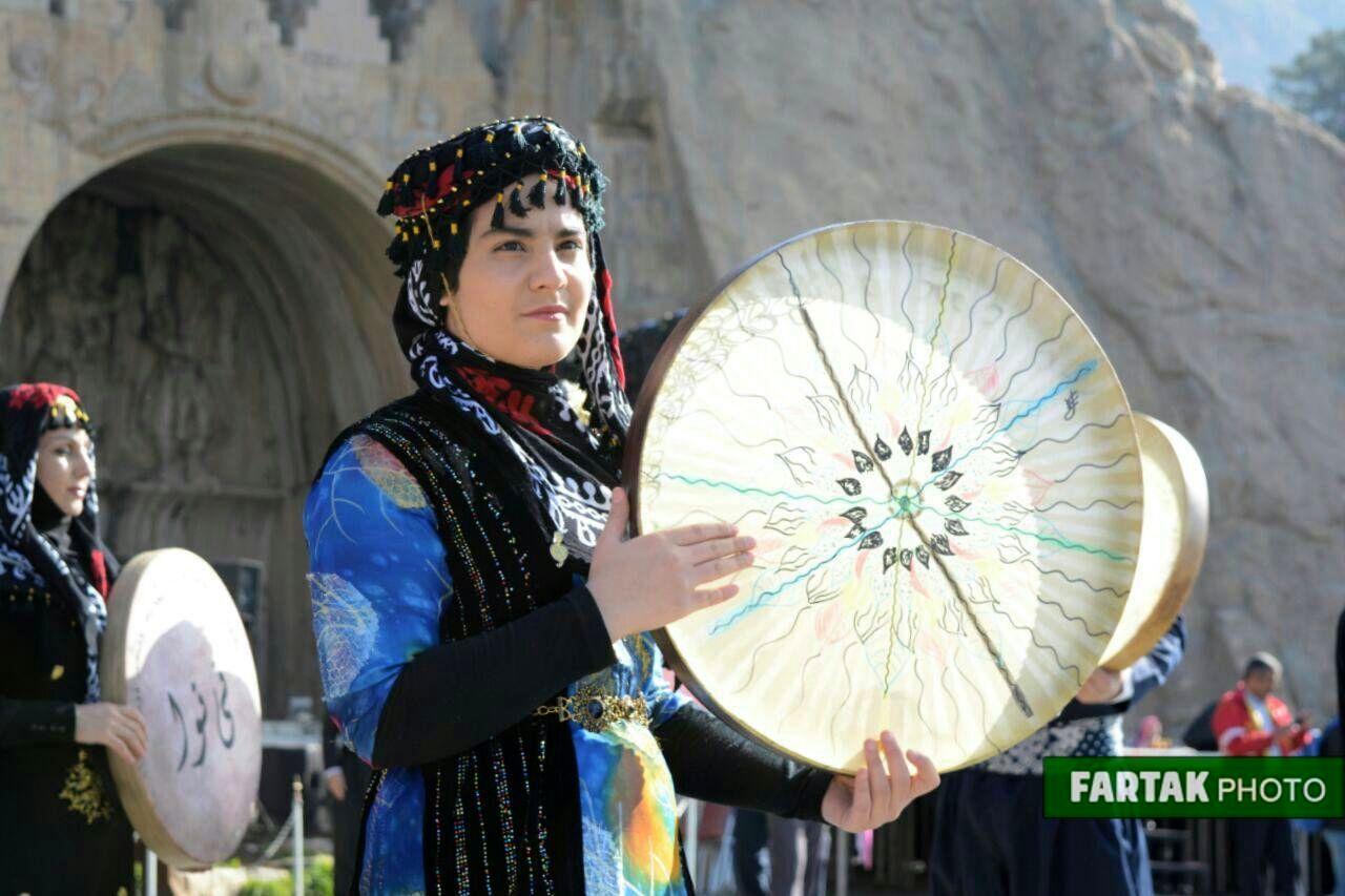 آغاز جشنواره کرمانشاه پایتخت آیین های نوروزی به روایت تصویر