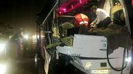 تصادف اتوبوس با تریلرمنجر به قطع دست جوان 23 ساله شد