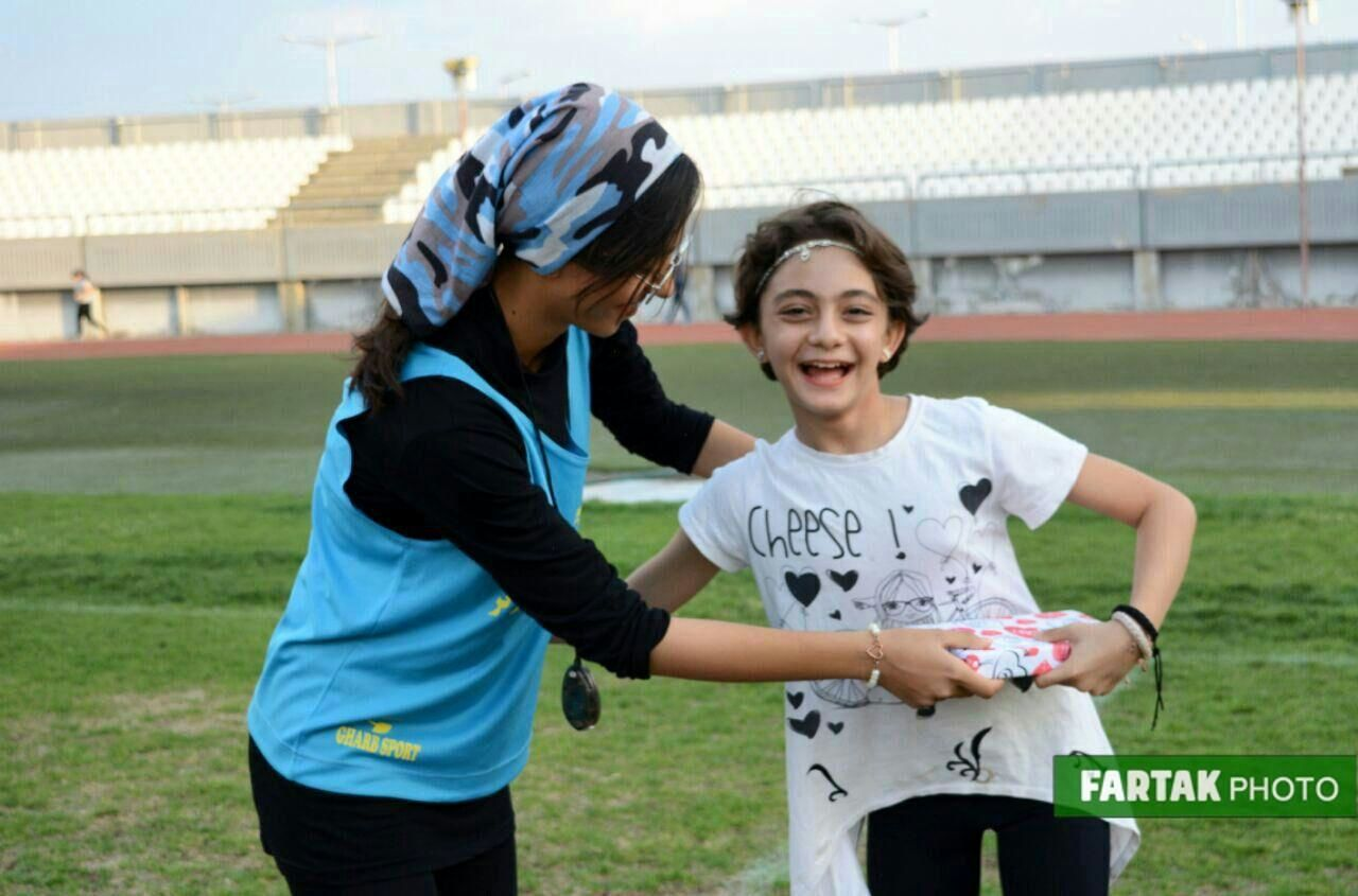رقابتهای دو و میدانی مادر و کودک در سالن 15 هزار نفری پانزده خرداد کرمانشاه