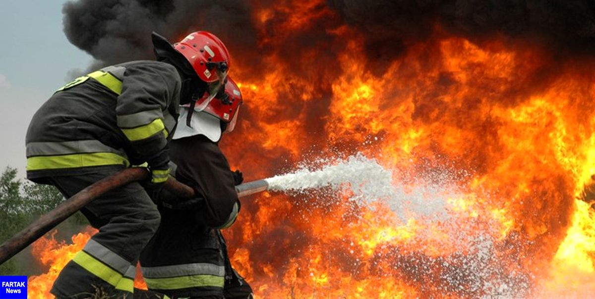 آتش سوزی در کارخانه فوم سازی شهرک صنعتی اردبیل