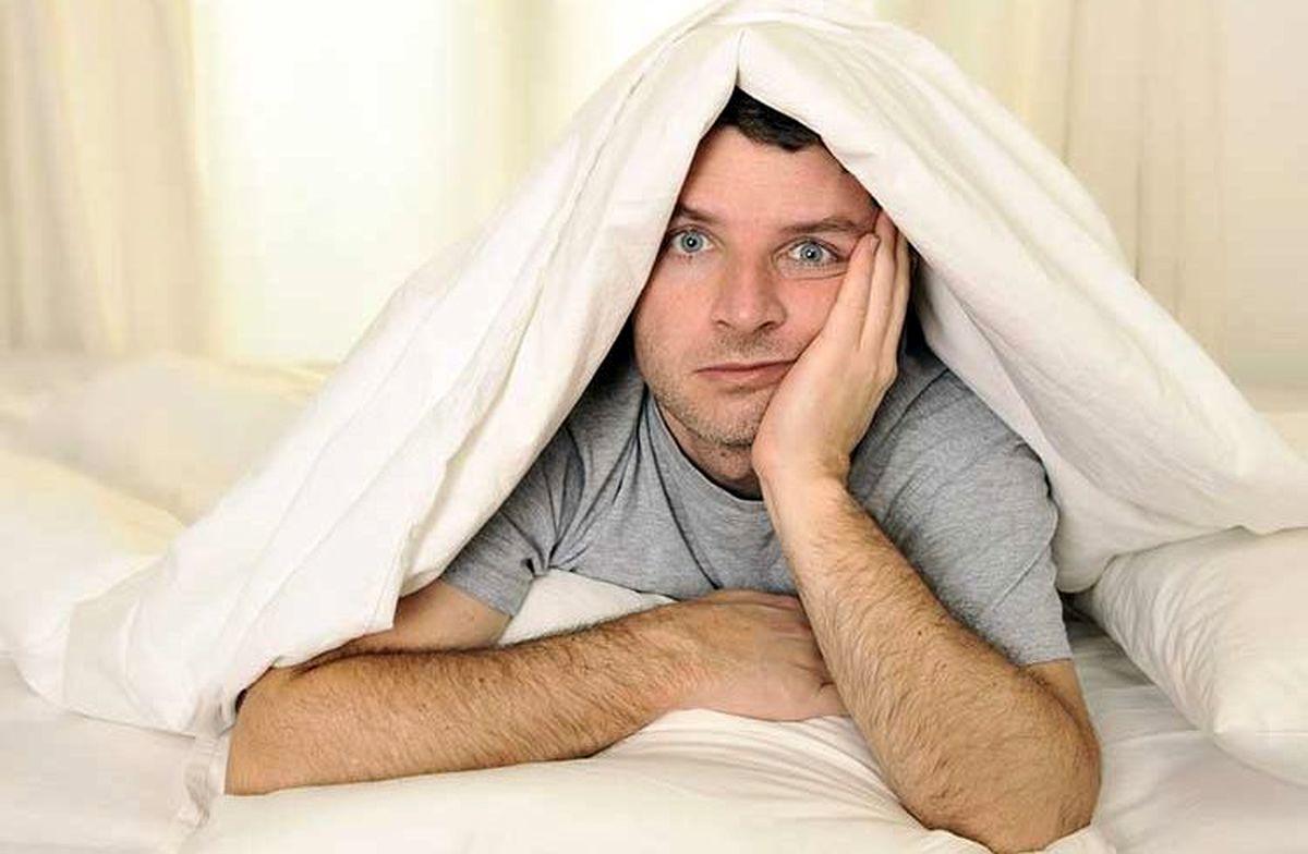 چرا با وجود خوابآلودگی به خواب نمیرویم؟