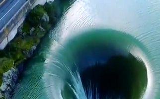 دریاچهای حیرت انگیز در کالیفرنیا