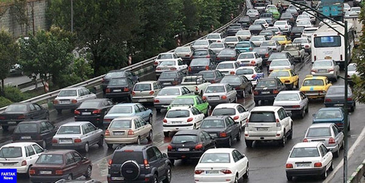 ترافیک در محورهای کندوان و هراز/ تردد پرحجم خودرو در آزادراه رشت-قزوین